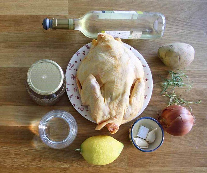 Ingredientes pollo asado al horno con patatas y cebolla